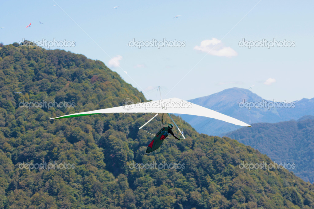 Hang gliding in Julian Alps, Slovenia — Stock Photo #6830509