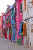 Färgglada byggnader av burano — Stockfoto