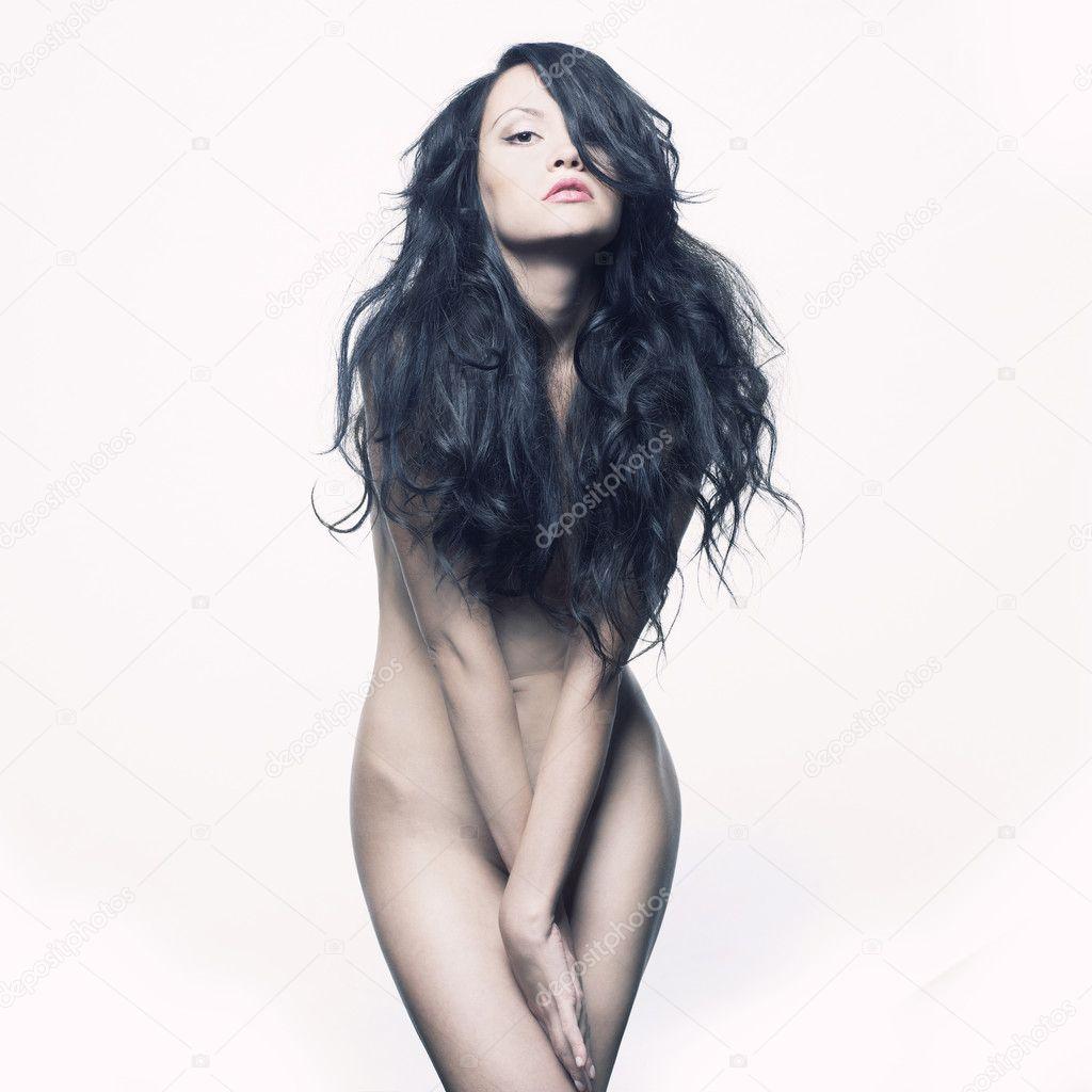 Фото красивых девушек брюнеток с длинными волосами и голых 5 фотография