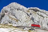红绶火车在 pilatus,瑞士 — 图库照片