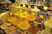 Spice market in Istanbul Turkey — Stock Photo