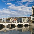 Muenster bridge crossing Limmat Zurich city center — Stock Photo