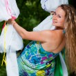 Pregnant women in park — Stockfoto