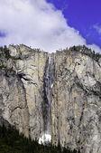 Waterfall in Yosemite — Stock Photo