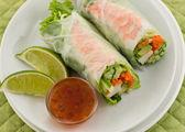 Crevettes sushi roll été — Photo