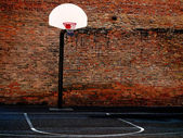 Urban Basketball Court — Stock Photo
