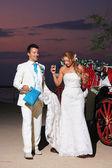 Beach wedding: bride and groom — Stock Photo