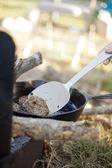 Lägereld matlagning — Stockfoto