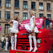 blonde-Parade in Riga gehen — Stockfoto