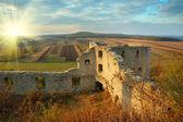 Podzimní krajina je zřícenina zámku (satanov, ukrajina) — Stock fotografie