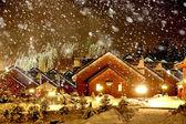 Decorou a casa com luzes de natal — Fotografia Stock