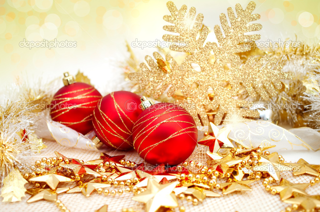 Beautiful christmas background with decoration in gold and red — Stock Photo #7147488