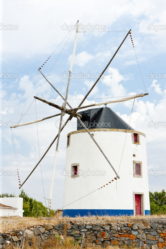 Windmill near Beja, Alentejo, Portugal — Stock Photo #7442609
