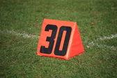 サッカー フィールド ヤード マーカー — ストック写真