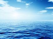 Wczesnym rankiem nad morzem — Zdjęcie stockowe