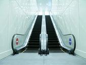 Eskalátor v podzemí — Stock fotografie