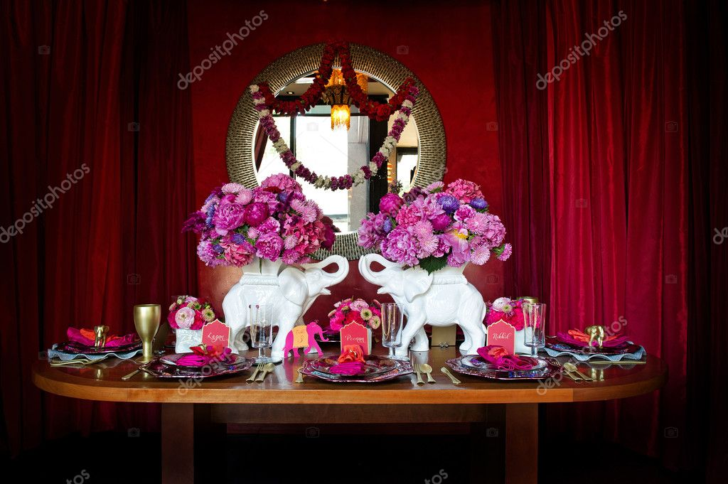 Image of a beautiful table setting for an Indian weding — Stock Photo #7177929