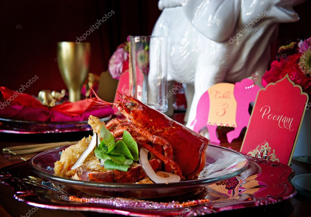 Beautiful image of a gourmet lobster dinner — Zdjęcie stockowe #7177935