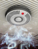 Smoke and fire detector — 图库照片