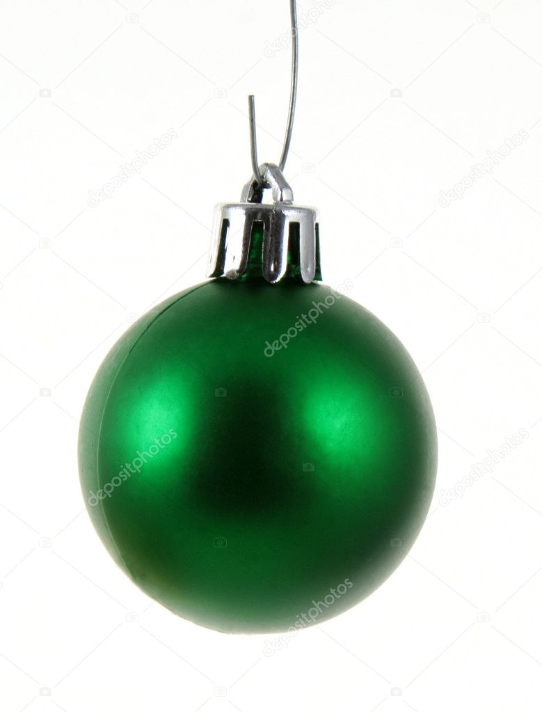 A single isolated green Christmas bauble hanging. — Lizenzfreies Foto #7491368