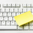 Computer Keyboard and  Adhesive Note Paper — Stock Photo