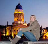 Teenager in the city — Stock Photo
