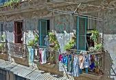 Building in old havana, cuba — Stock Photo