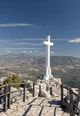 Cross på santa catalina castle, jaen — Stockfoto