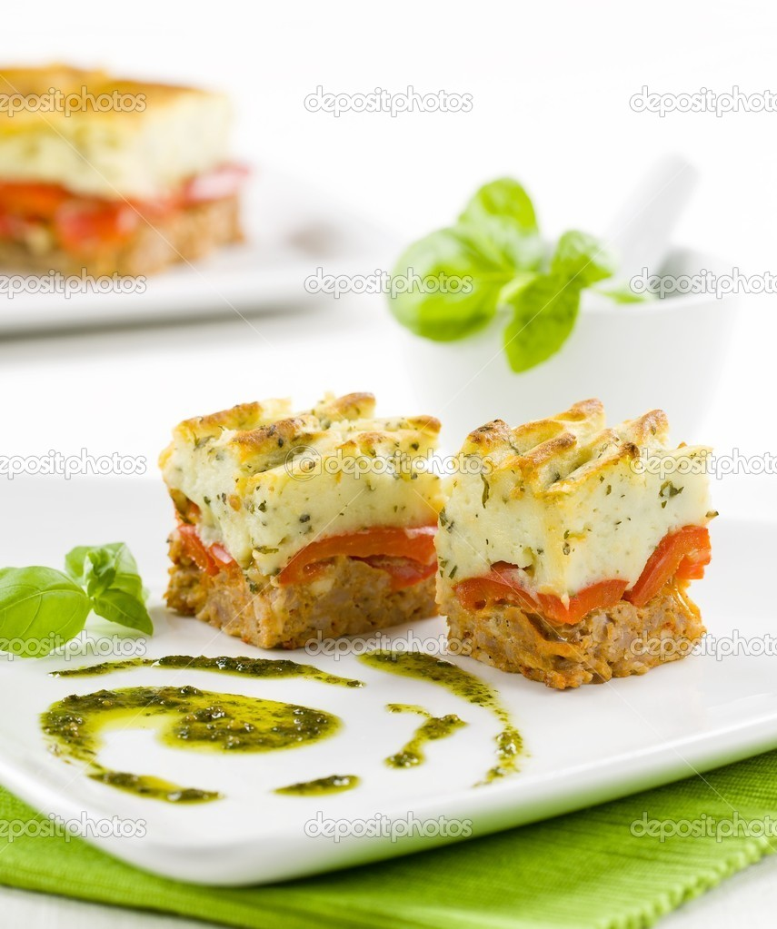 Tasty appetizer on a stylish plate — Stock Photo #7919076