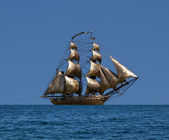 Sailing ship under full sail - Russian 18-gun brig Mercury of B — Stock Photo