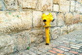 Yellow vintage fire hydrant in Jerusalem — Stock Photo