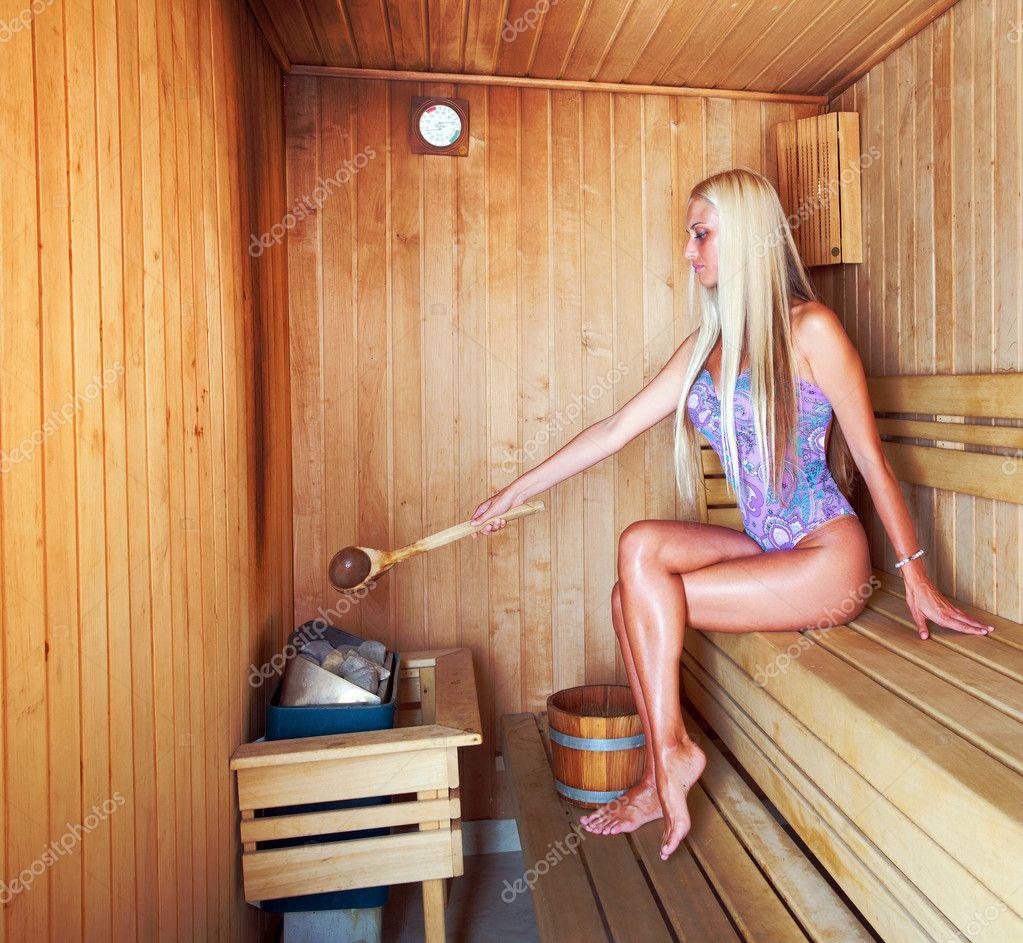 in der sauna stockfoto krsmanovic 7310904. Black Bedroom Furniture Sets. Home Design Ideas