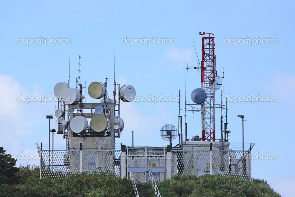 Radio transmitter antenna station — Stock Photo #7025089
