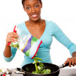健康意识到女人准备的蔬菜 — 图库照片