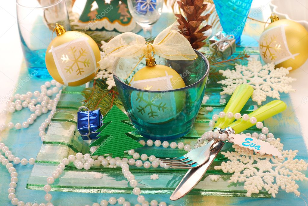 Table decoration with  blue bowl,snow flakes ,fir and cone for christmas — Stock Photo #6855724