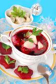 Red borscht with ravioli — Stock Photo
