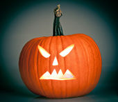 Halloween scary jack'o'lantern pumpkin faces — Stock Photo