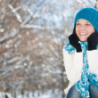 Woman in snow — Stockfoto