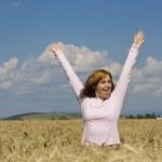 Woman in field — Stock Photo #6872887