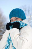 Kall vinter kvinna — Stockfoto