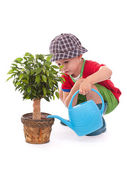 水まき缶を持つ少年 — ストック写真