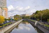 Moscú en las orillas de los río yauza — Foto de Stock