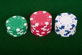 Piles de jetons de poker — Photo
