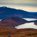Fall-colored mountain lakes landscape — Stock Photo