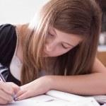 Girl Doing Schoolwork — Stock Photo