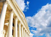 Columns and sky — Stock Photo