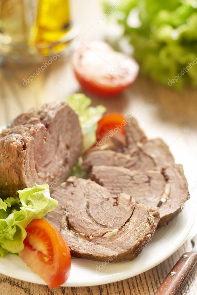 Roast beef with spices and garlic  — Stock Photo #7955177