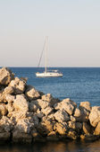 Yacht at the sea — Stockfoto
