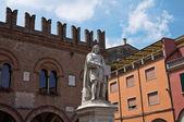 Guercino pomnik. cento. emilia-romania. włochy. — Zdjęcie stockowe