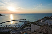 Panoramatický pohled na peschici. puglia. itálie. — Stock fotografie